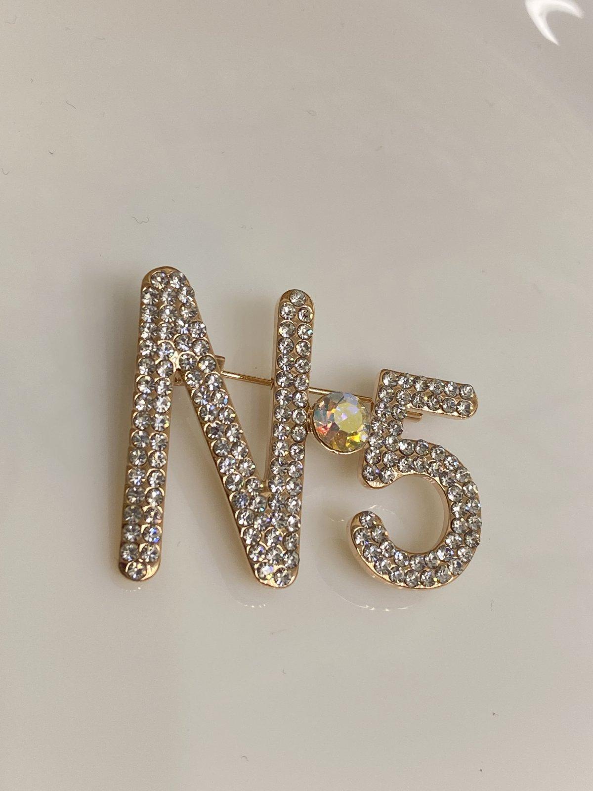 N-5 Broş