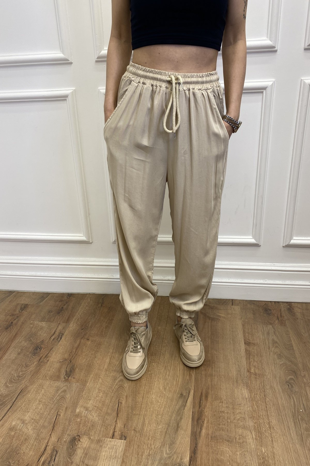 Paçası Lastikli Pantolon