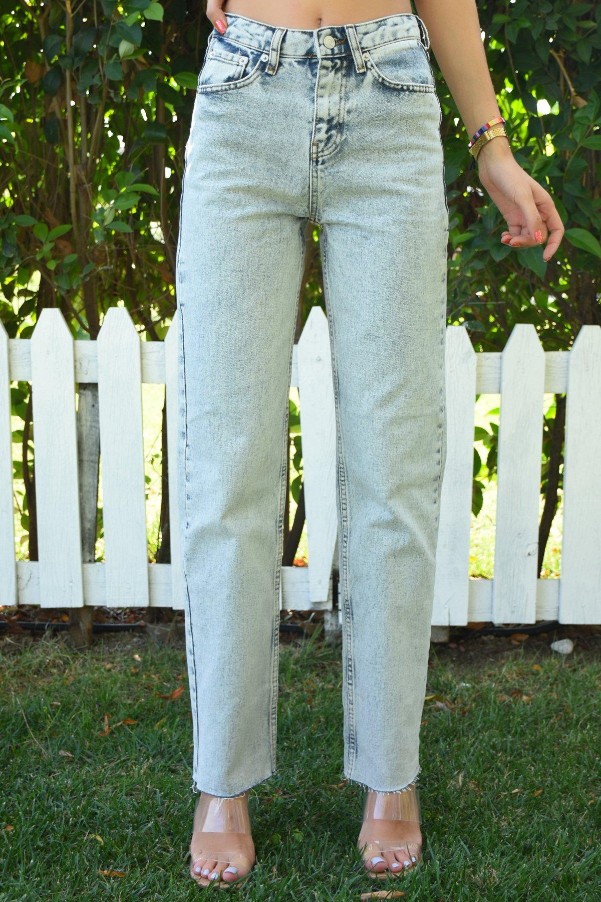 Kar Yıkamalı Paçası Kesik Pantolon
