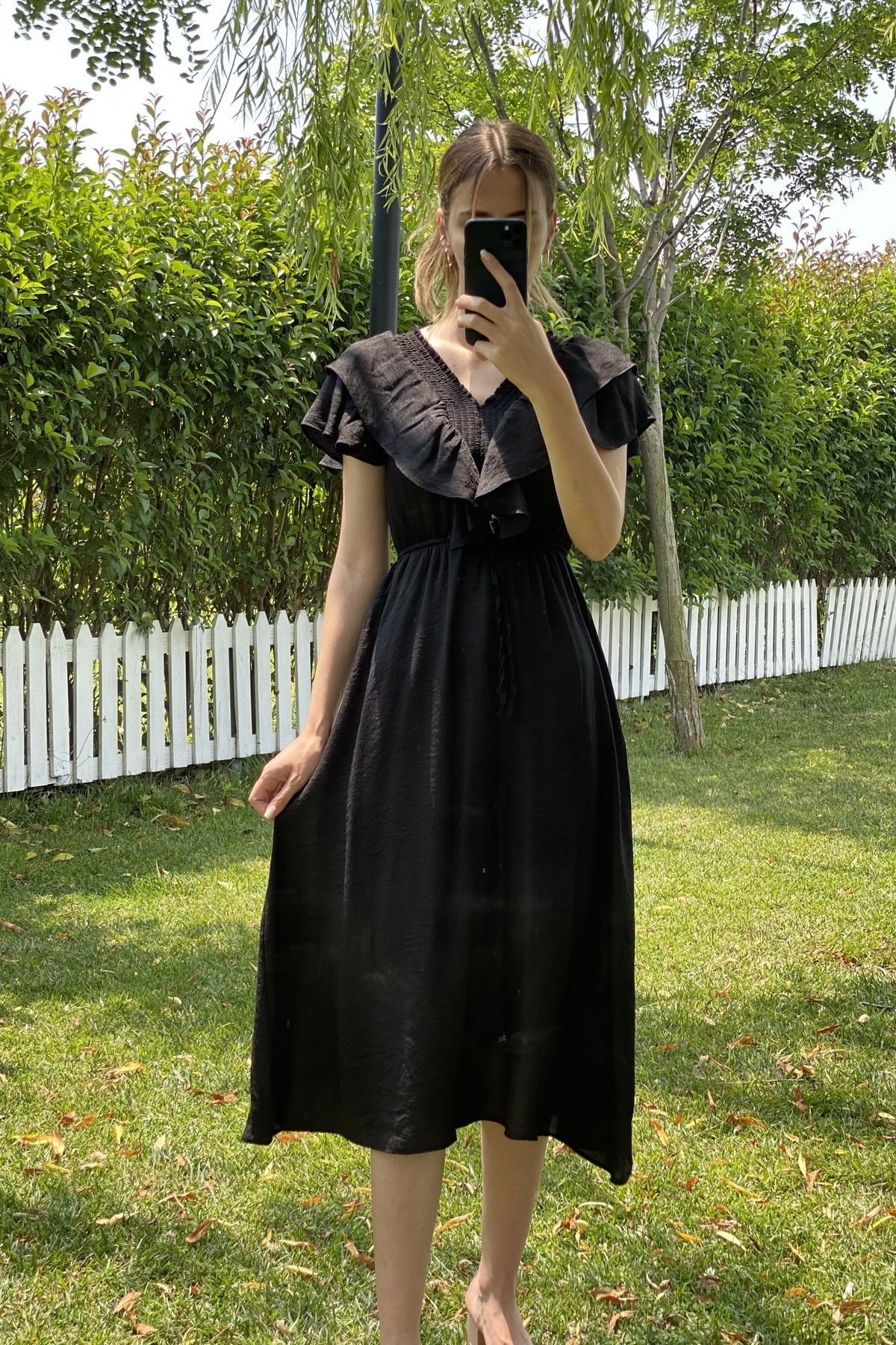 Kolu Volanlı Gipeli Elbise