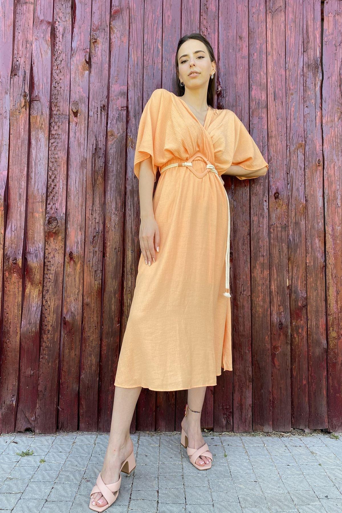 Kruvaze Yaka Kemerli Elbise