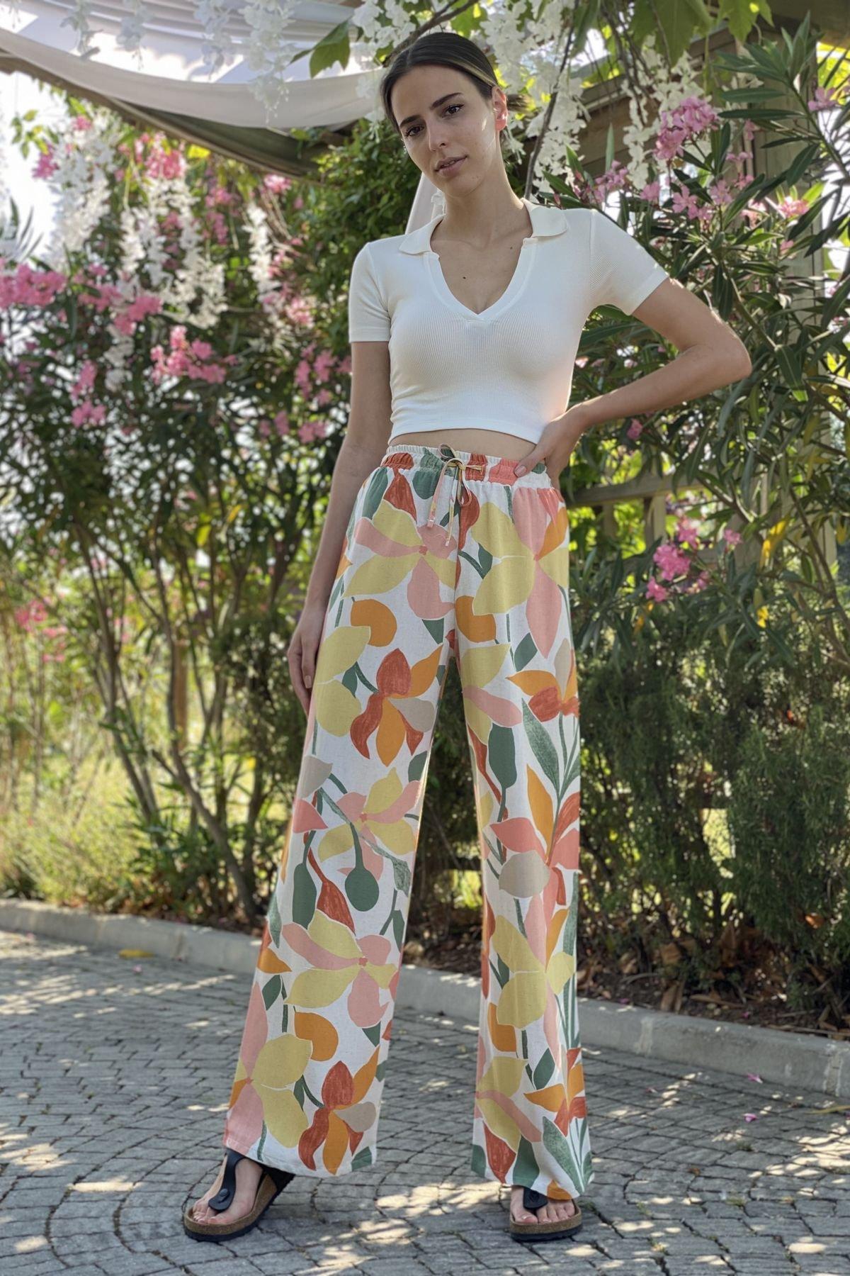 Çiçek Desenli Bol Paça Pantolon